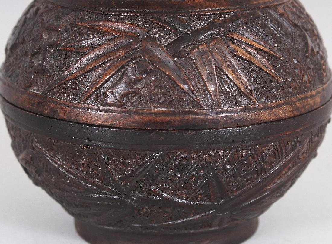 A GOOD QUALITY 19TH CENTURY CHINESE CARVED WOOD - 3