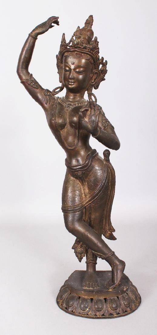A LARGE 19TH/20TH CENTURY INDIAN BRONZE FIGURE OF