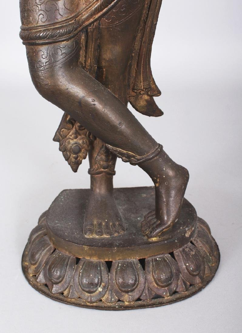 A LARGE 19TH/20TH CENTURY INDIAN BRONZE FIGURE OF - 6