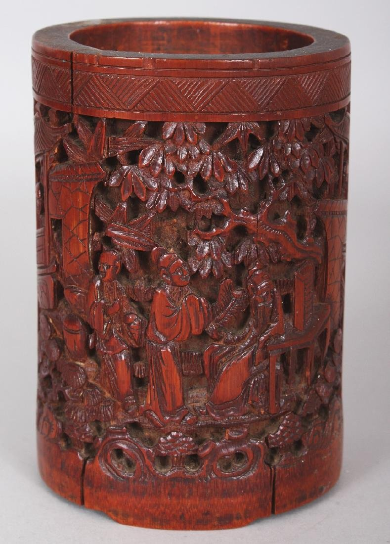 A 19TH CENTURY CHINESE CARVED BAMBOO BRUSHPOT, 3.4in - 3