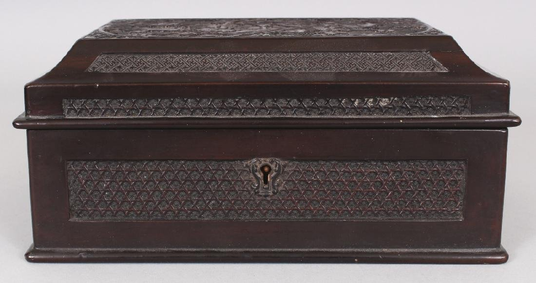 A GOOD QUALITY 19TH CENTURY CHINESE WOOD & PEWTER - 2