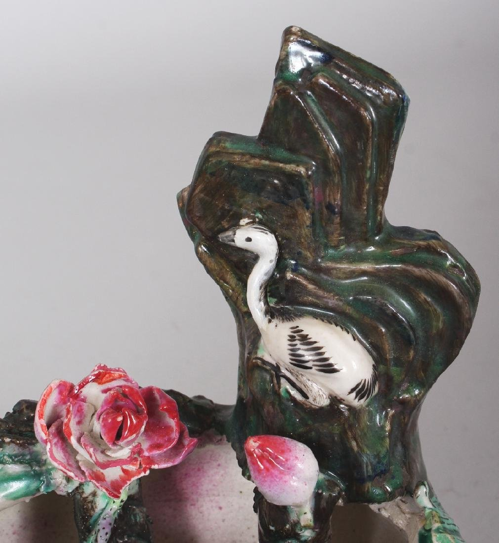 AN UNUSUAL 20TH CENTURY CHINESE FAMILLE ROSE-VERTE - 6