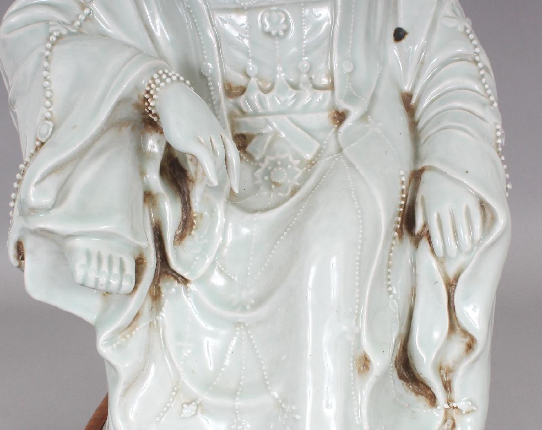 A LARGE CHINESE CELADON GLAZED PORCELAIN FIGURE OF - 6