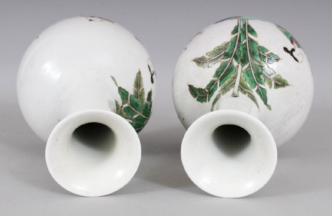 A MIRROR PAIR OF CHINESE KANGXI STYLE FAMILLE VERTE - 6