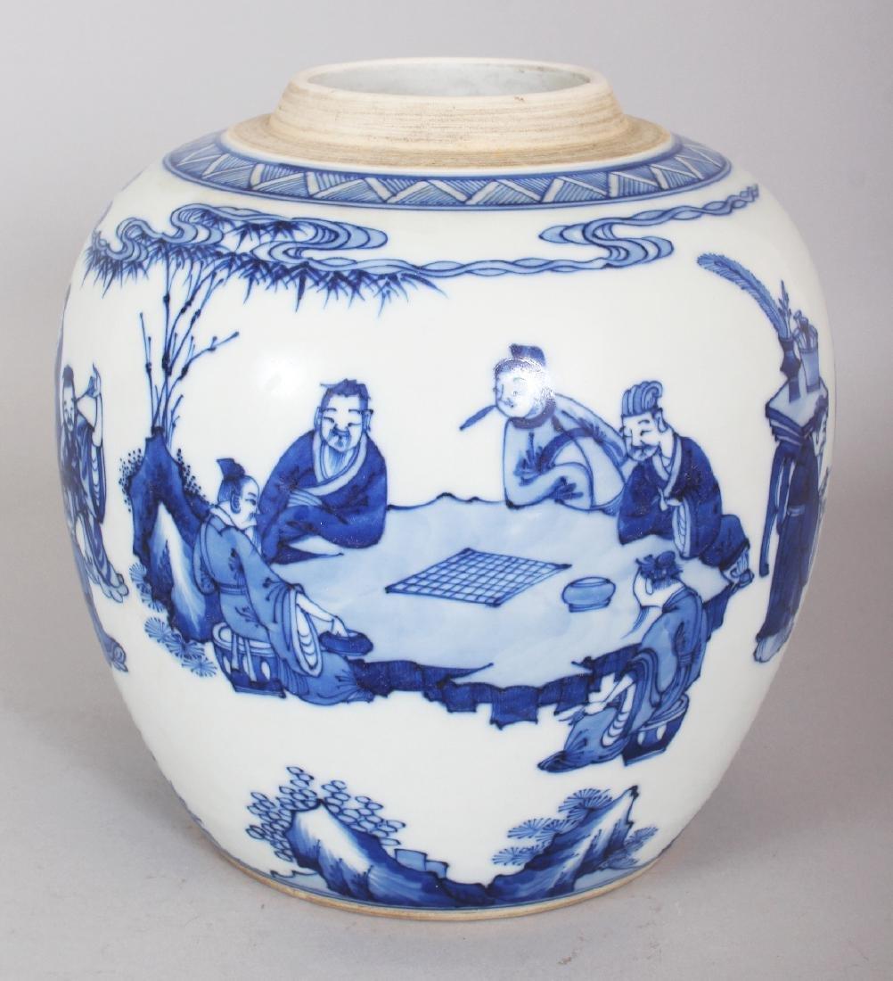 A CHINESE KANGXI STYLE BLUE & WHITE PORCELAIN JAR, - 3