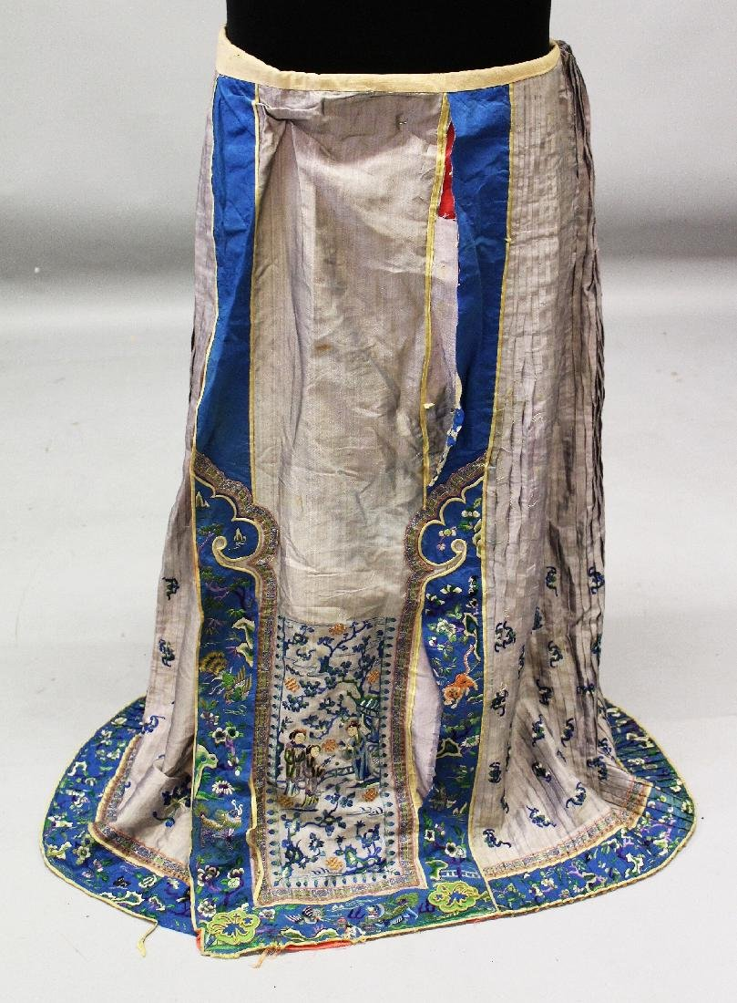 ANOTHER 19TH CENTURY CHINESE EMBROIDERED SILK SKIRT,