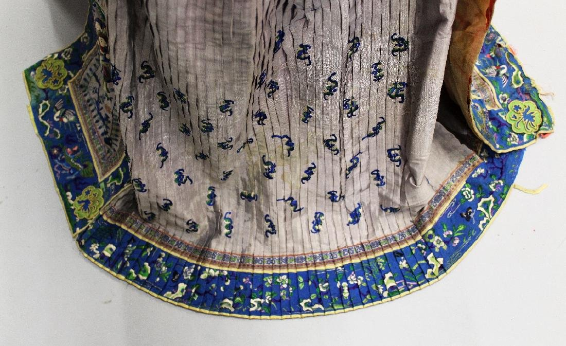 ANOTHER 19TH CENTURY CHINESE EMBROIDERED SILK SKIRT, - 3
