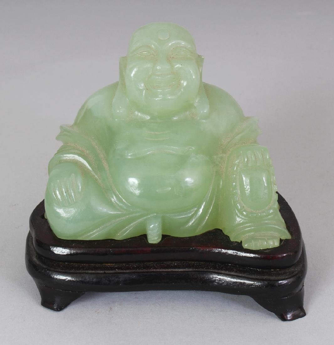 A 20TH CENTURY CHINESE CELADON GREEN BOWENITE CARVING