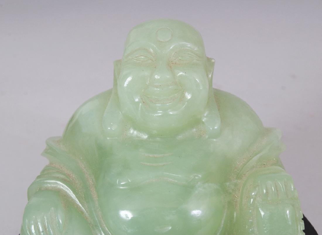 A 20TH CENTURY CHINESE CELADON GREEN BOWENITE CARVING - 5