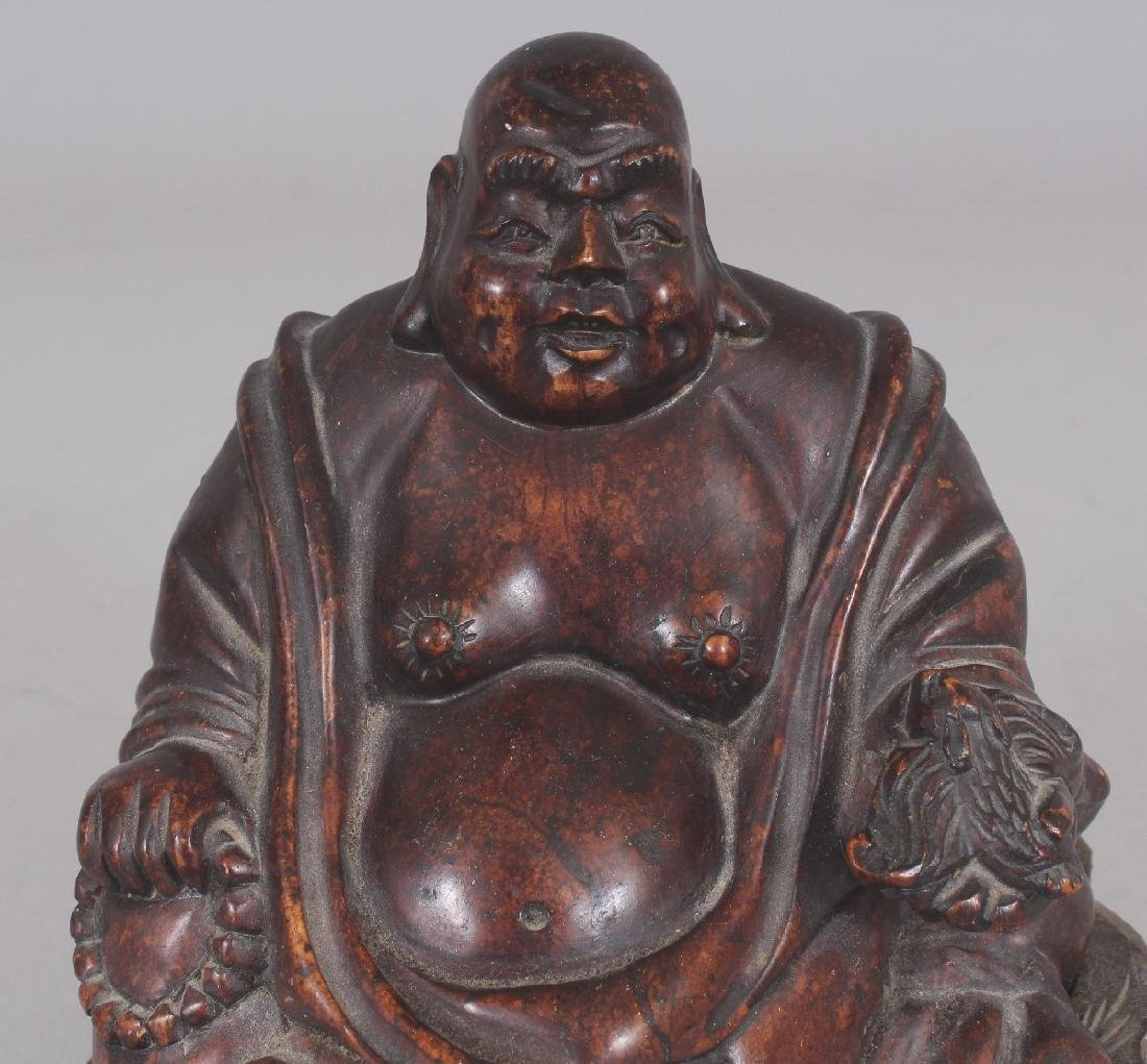 A 20TH CENTURY CHINESE BROWN STONE CARVING OF BUDAI, - 3