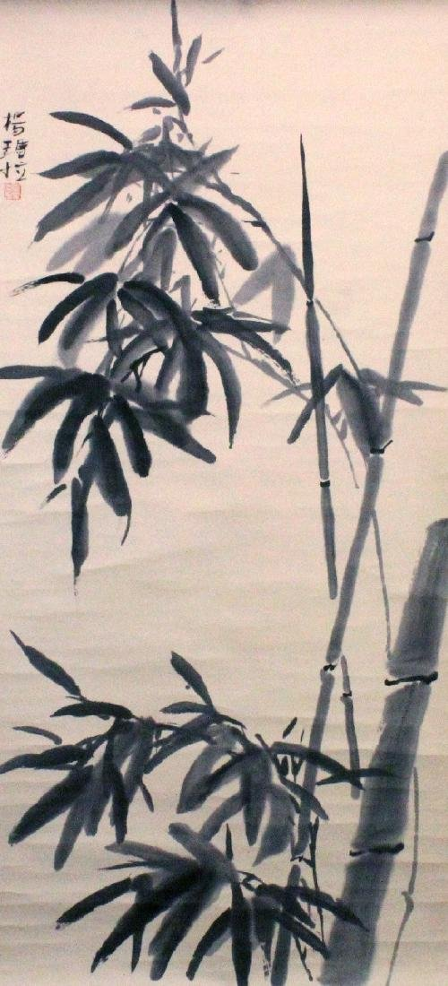 A SIGNED CHINESE HANGING SCROLL PAINTING ON PAPER,