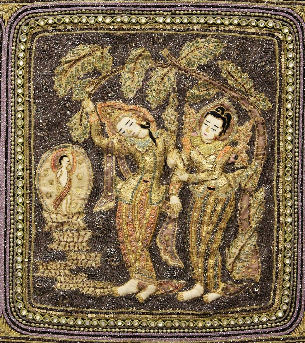 A 20TH CENTURY WOOD MOUNTED THAI EMBROIDERED FABRIC - 3