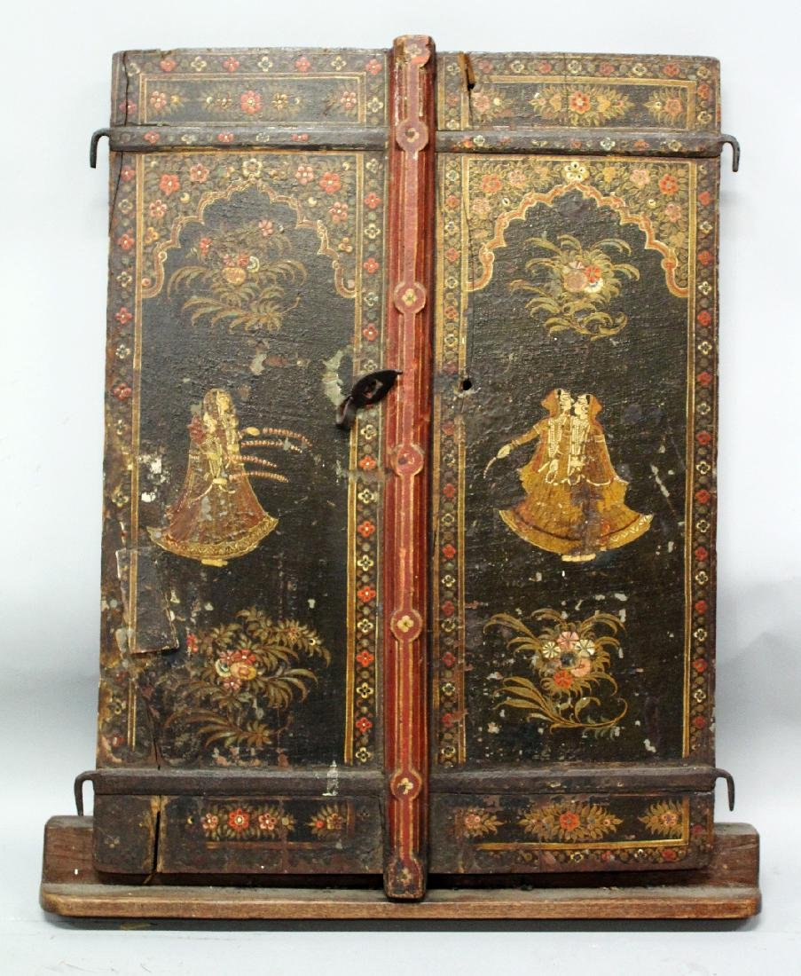 A 19TH CENTURY INDIAN HANGING LACQUERED WOOD PANEL,
