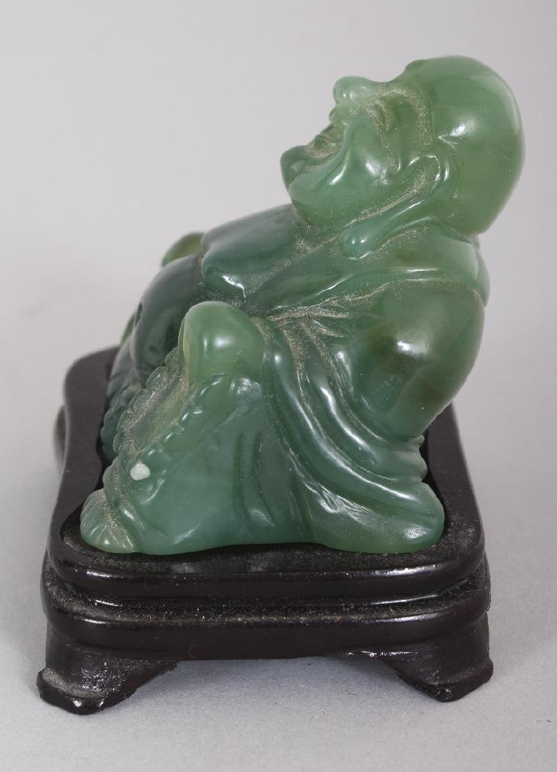 AN EARLY/MID 20TH CENTURY CHINESE GREEN HARDSTONE - 4
