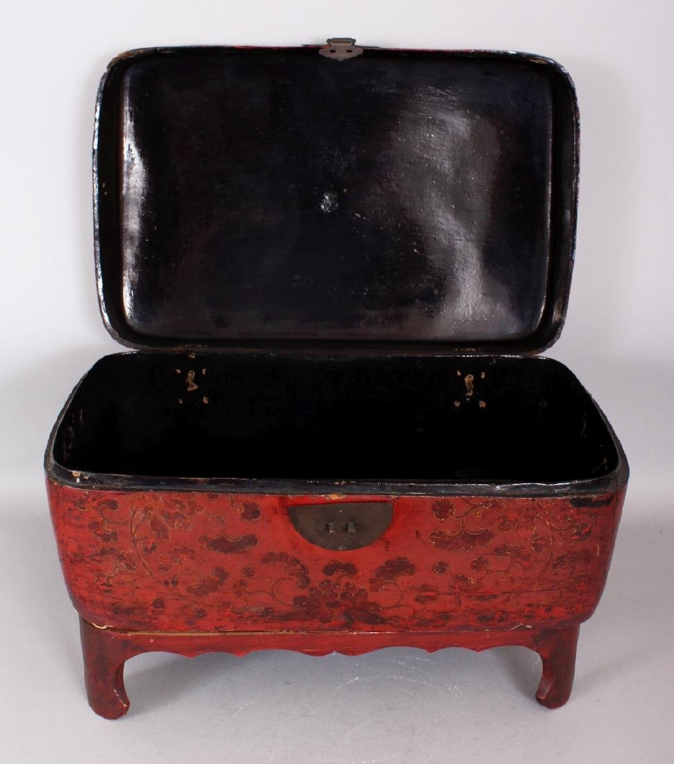 A 19TH CENTURY CHINESE RED GROUND LACQUERED WOOD BOX ON - 4