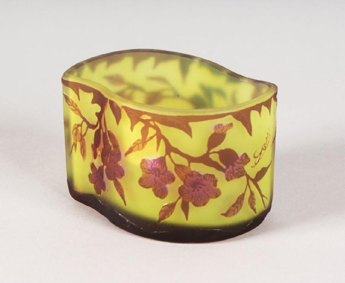 A GOOD GALLE CAMEO GLASS SHAPED BOWL, floral