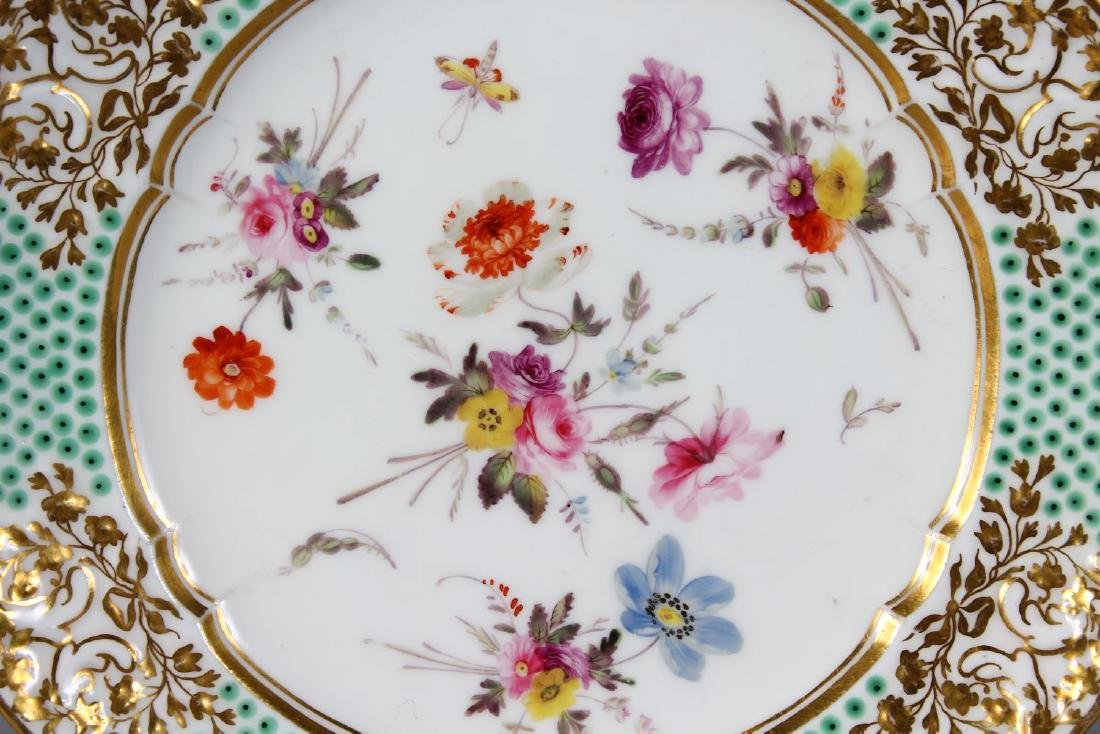 A NANTGARW PORCELAIN PLATE 8.25ins diameter, with gilt - 2