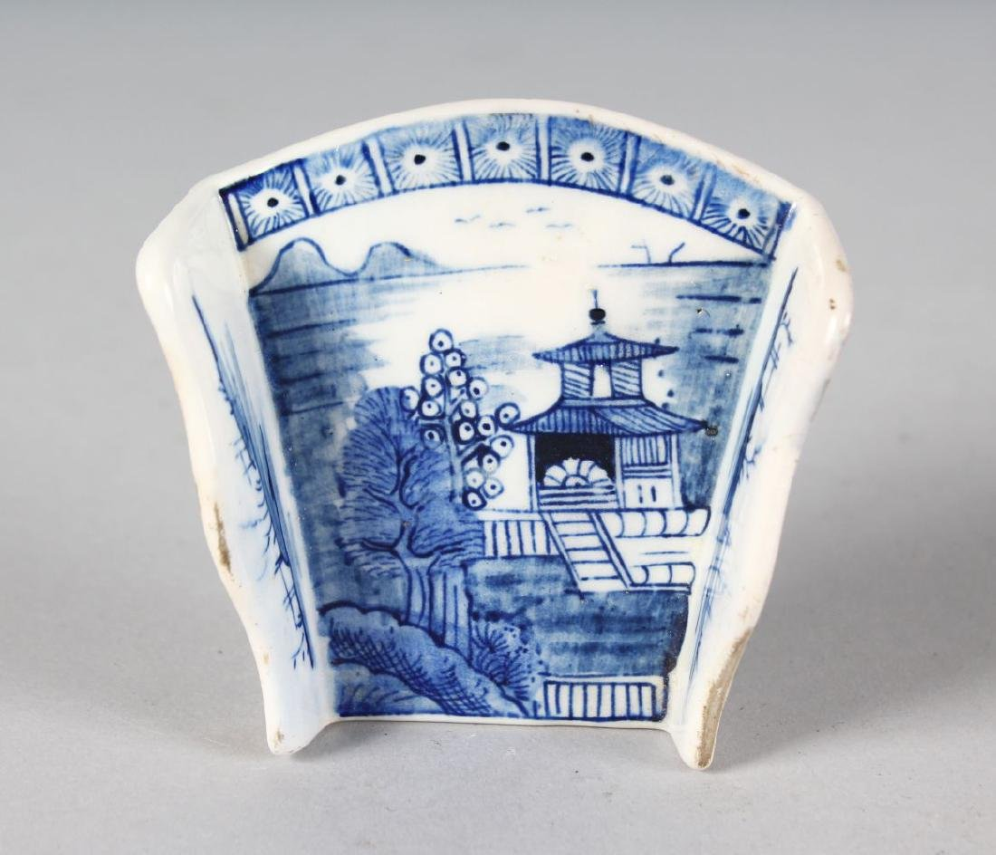 AN 18TH CENTURY DERBY ASPARAGUS SERVER painted with a