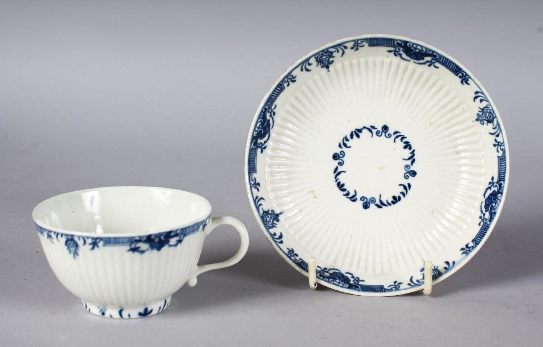 AN 18TH CENTURY WORCESTER TEA BOWL AND SAUCER painted