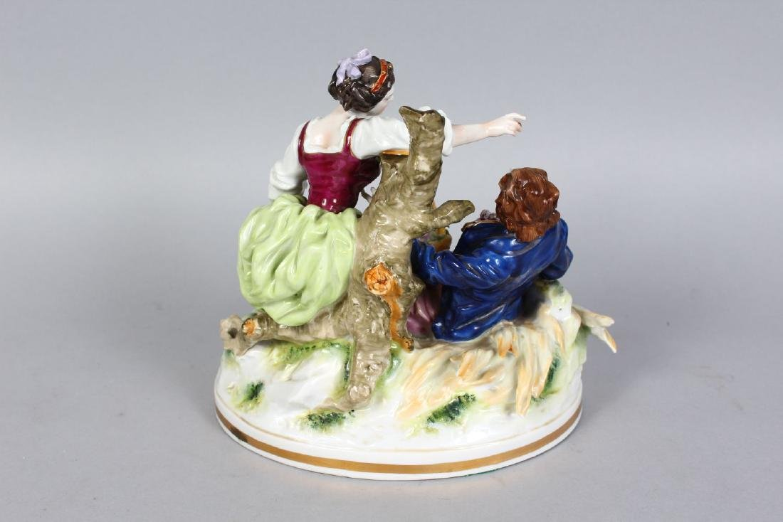 A CAPODIMONTE PORCELAIN GROUP OF A YOUNG MAN AND GIRL - 2