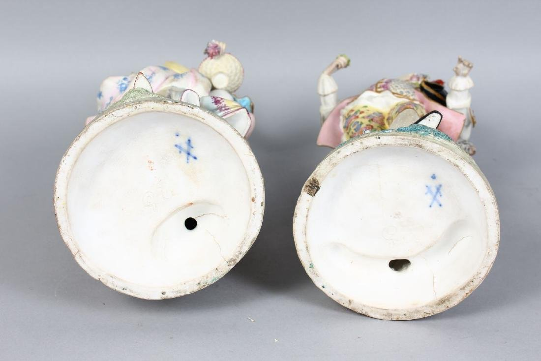 A PAIR OF CONTINENTAL PAINTED PORCELAIN FIGURES OF A - 3