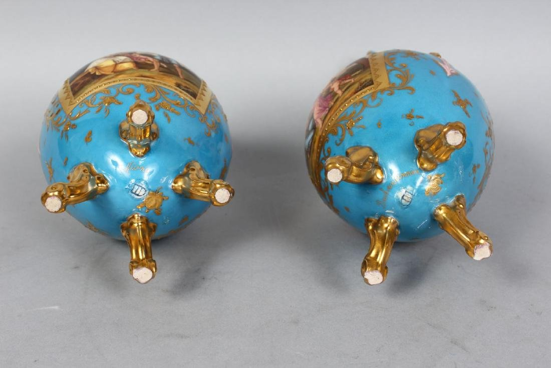 A PAIR OF VIENNA PORCELAIN VASES painted with a panel - 3