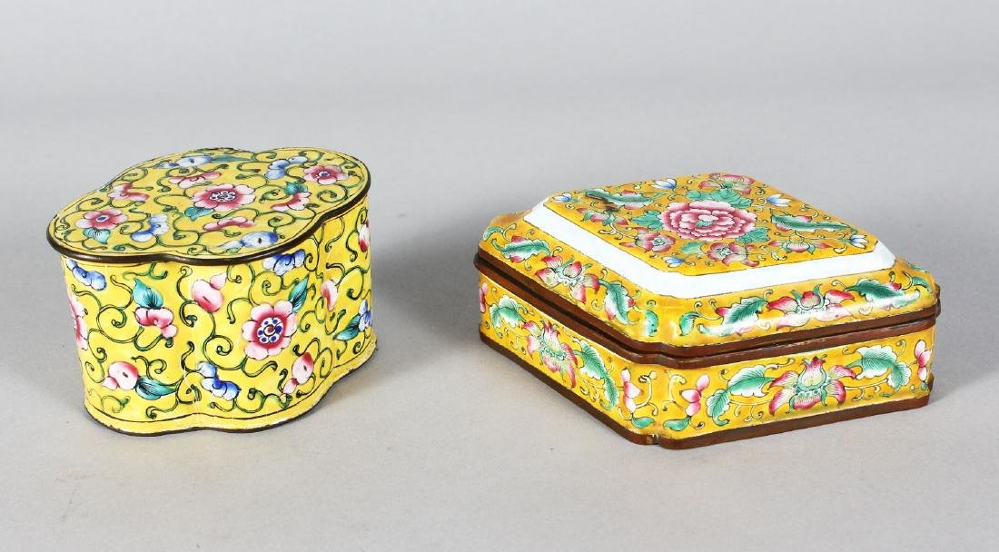 TWO SMALL CHINESE CANTON ENAMEL BOXES.