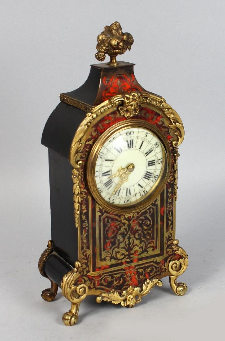 A GOOD SMALL FRENCH BOULLE MANTLE CLOCK, with cream