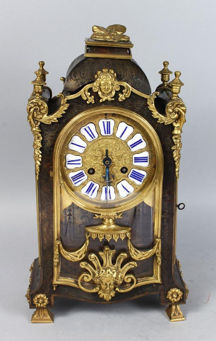 A GOOD 19TH CENTURY FRENCH BOULLE MANTLE CLOCK, the