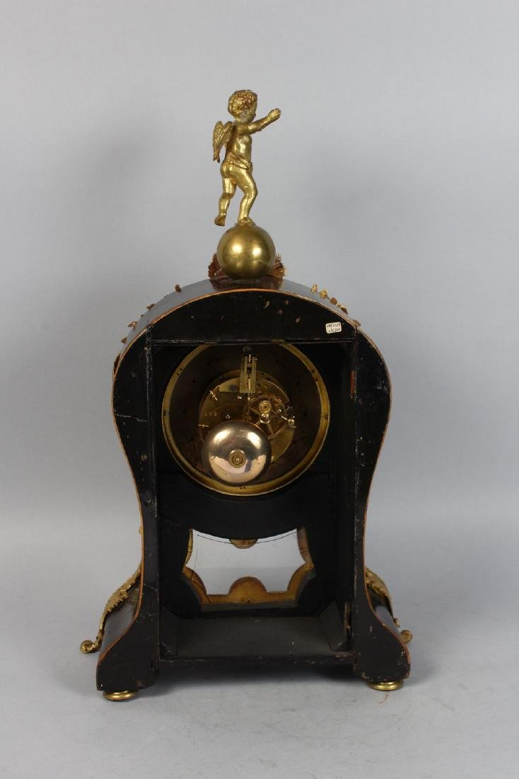 A 19TH CENTURY FRENCH BOULLE MANTLE CLOCK, the - 2