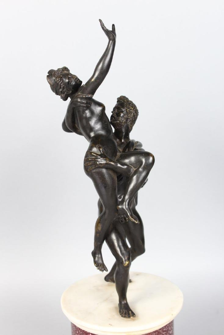 A GOOD CLASSICAL STYLE 19TH CENTURY BRONZE GROUP, an - 2