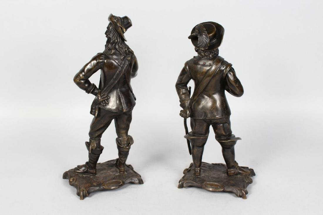 A PAIR OF 19TH CENTURY BRONZE FIGURES OF CAVALIERS, - 2