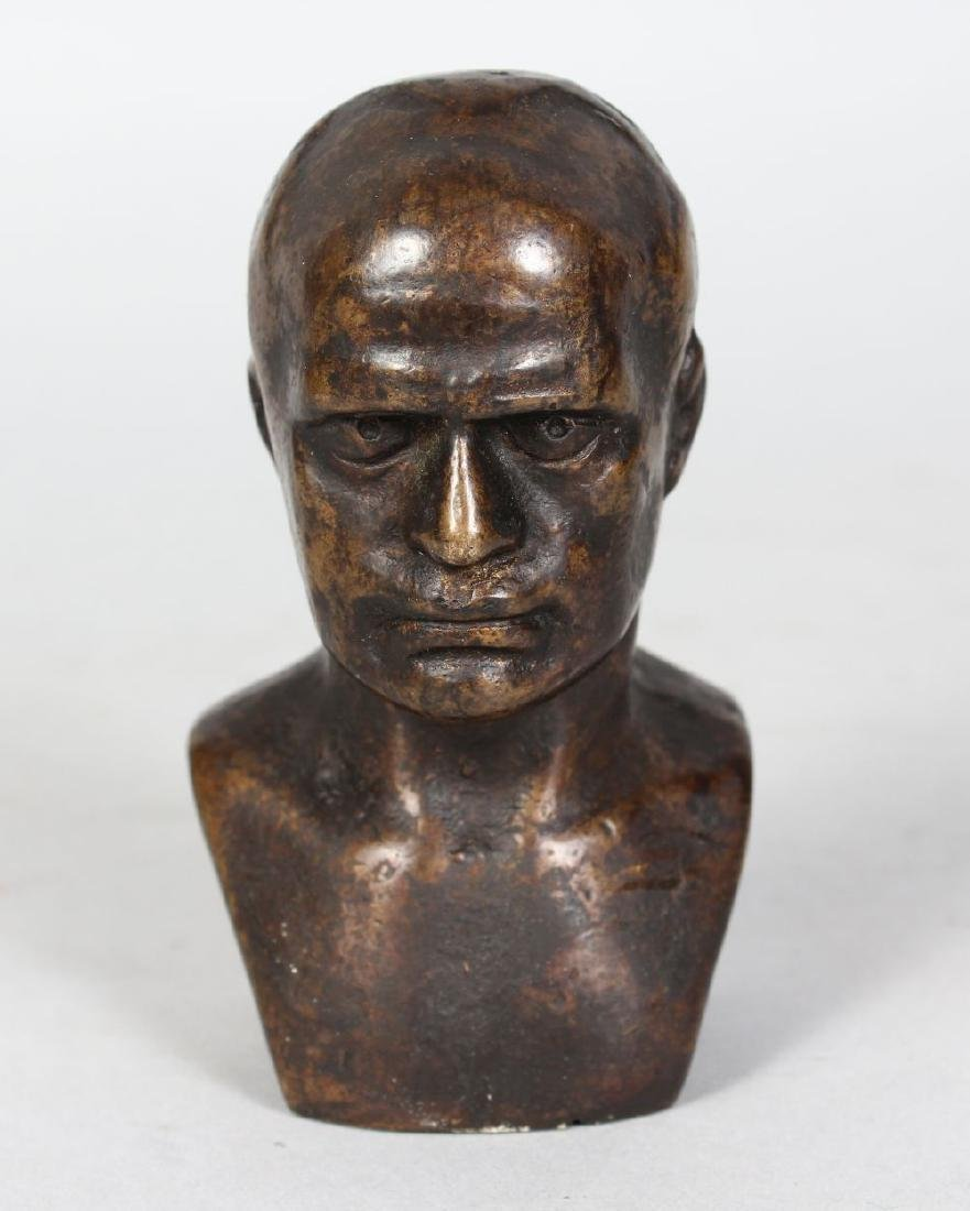 ITALIAN SCHOOL (EARLY 20TH CENTURY)  SMALL BRONZE BUST