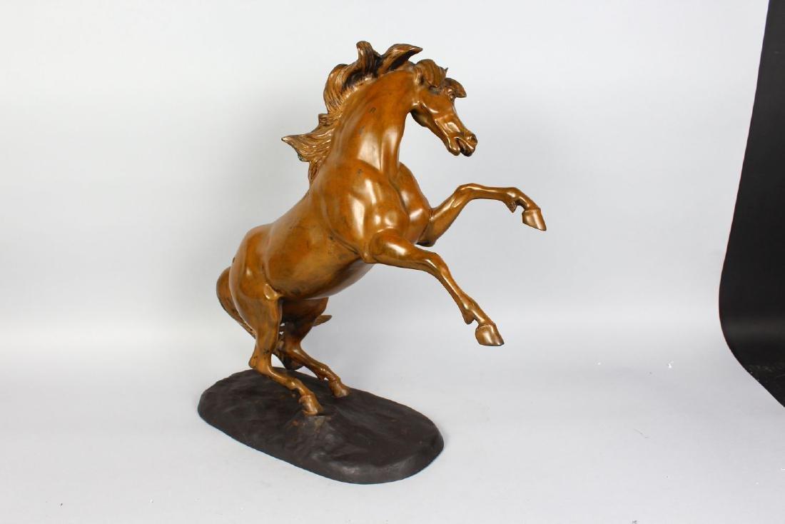 HUNT (20TH CENTURY) BRITISH  REARING HORSE, patinated - 2