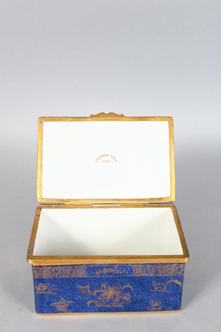 "A COPELAND PORCELAIN ""GROCERS HALL 1914"" BLUE CASKET - 2"