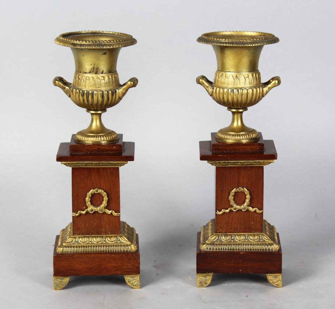 A PAIR 0F 20TH CENTURY ORMOLU AND MAHOGANY CLASSICAL