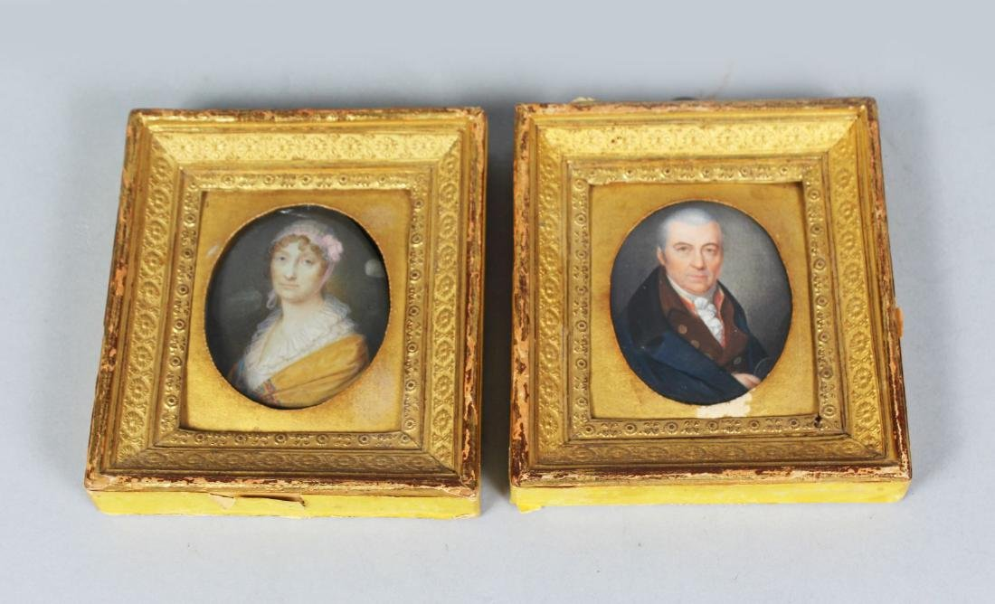 A GOOD PAIR OF 19TH CENTURY OVAL MINIATURES OF A MAN