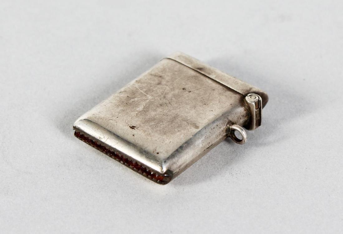 A PLAIN SILVER VESTA.  Birmingham 1921.  Maker: H Ltd.