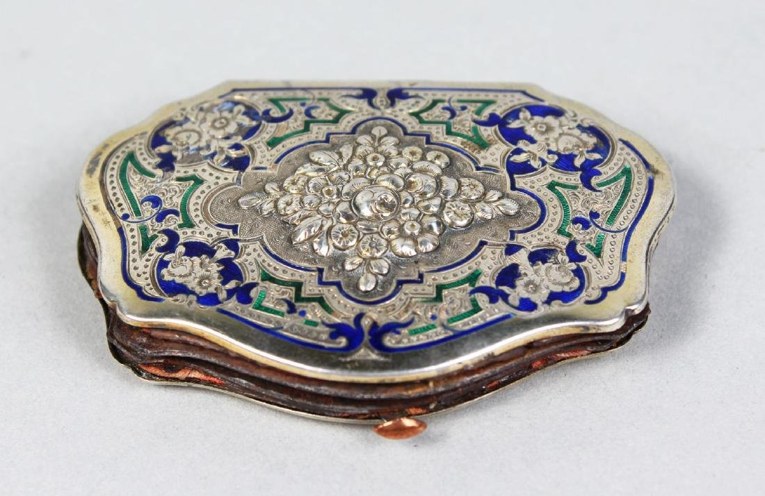 A SILVER AND BLUE ENAMEL PURSE.