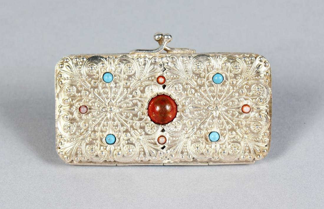 AN INDIAN PURSE set with hardstones.