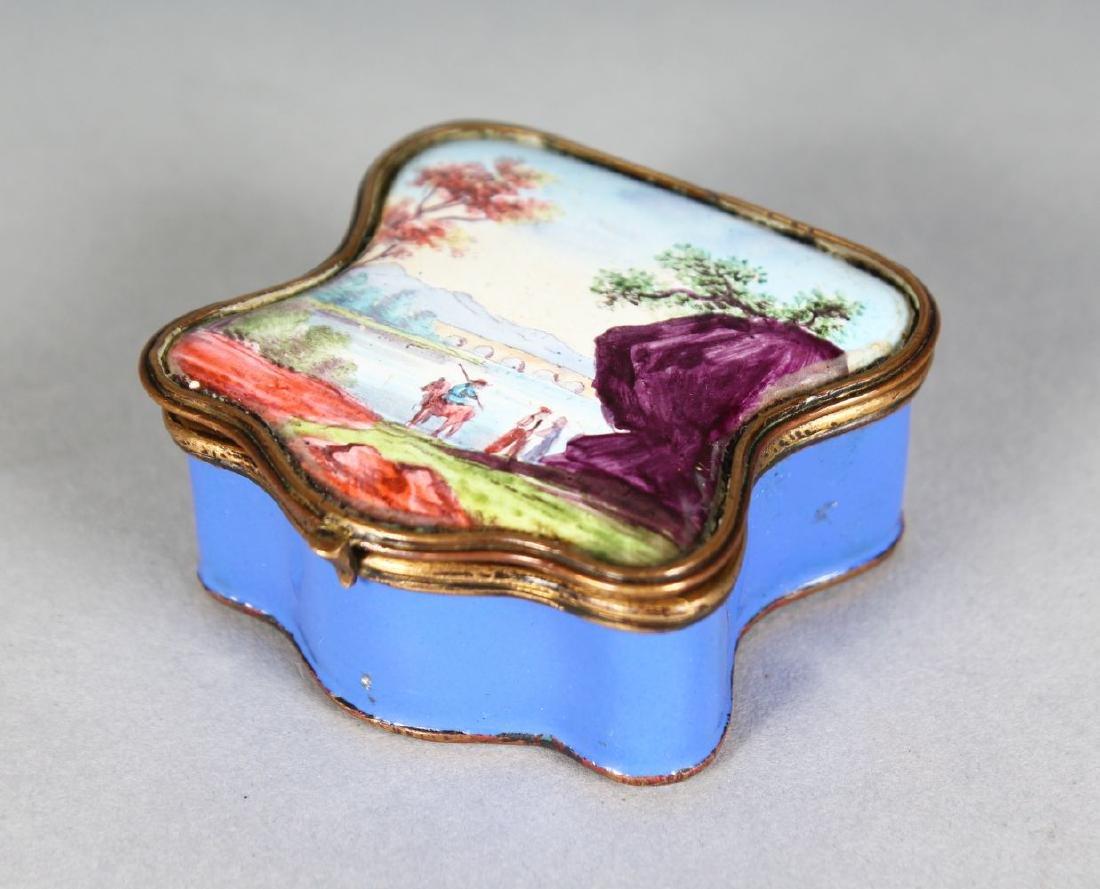 A GOOD BILSTON BLUE ENAMEL SNUFF BOX, the shaped lid