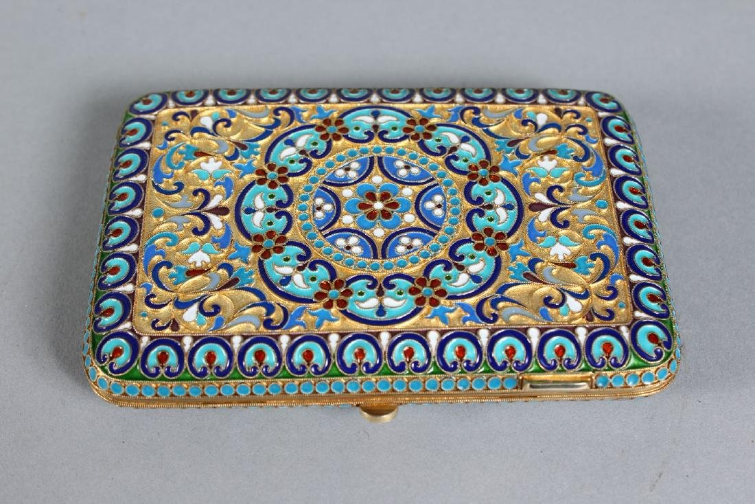 A GOOD RUSSIAN SILVER AND ENAMEL CIGARETTE CASE. - 2
