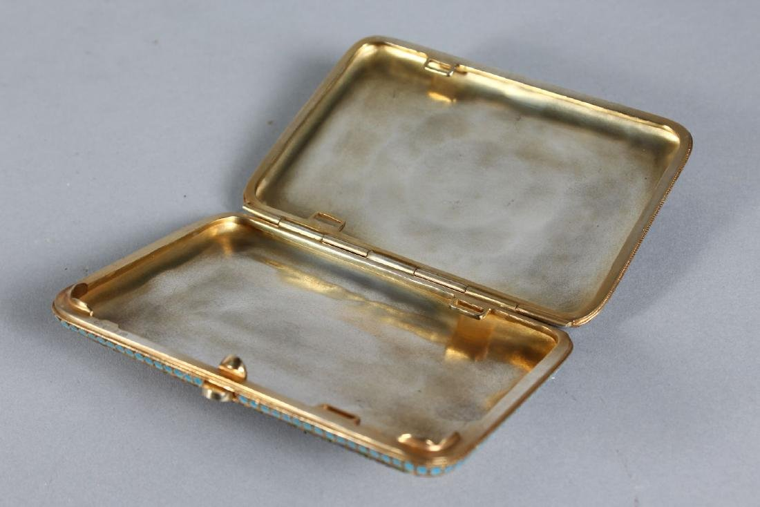 A GOOD RUSSIAN SILVER AND ENAMEL CIGARETTE CASE. - 3