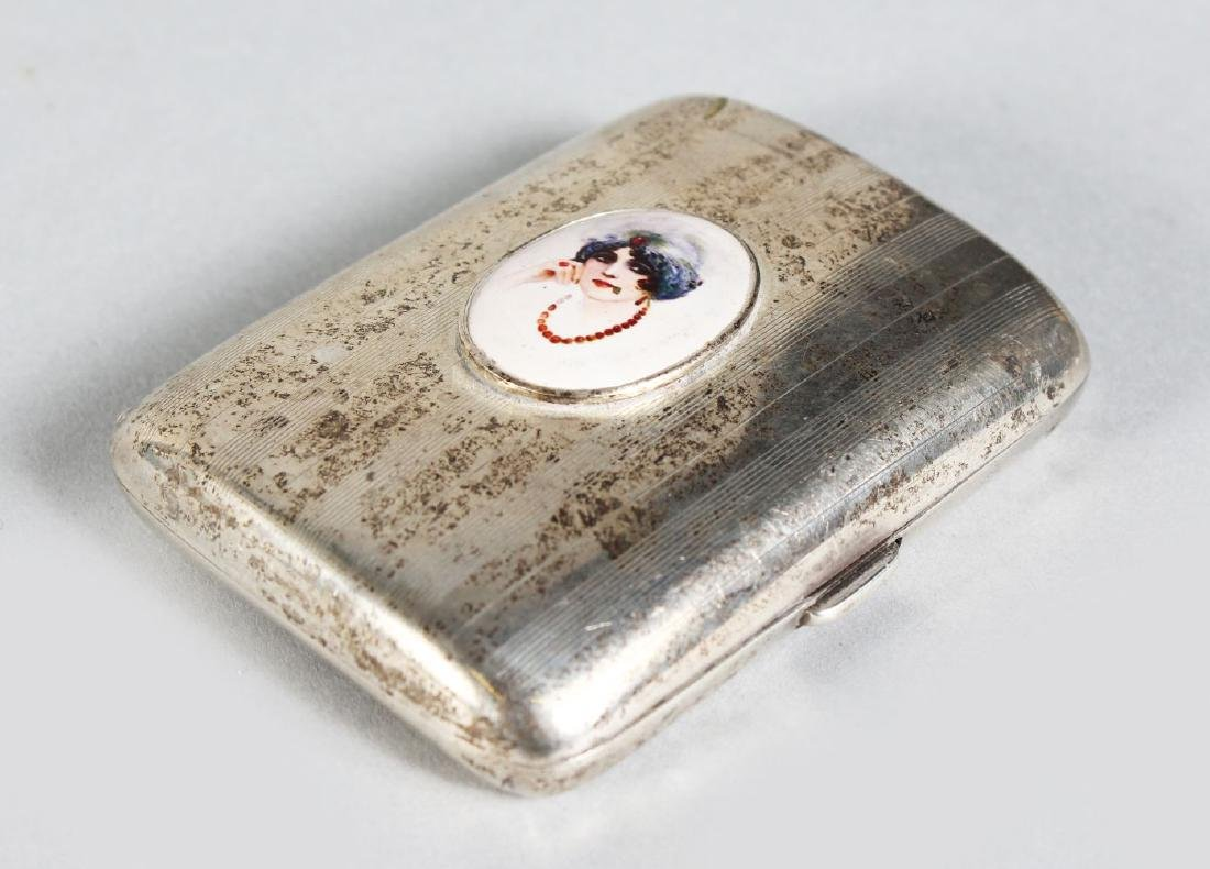 AN ENGINE TURNED CIGARETTE CASE.  Birmingham 1920, with