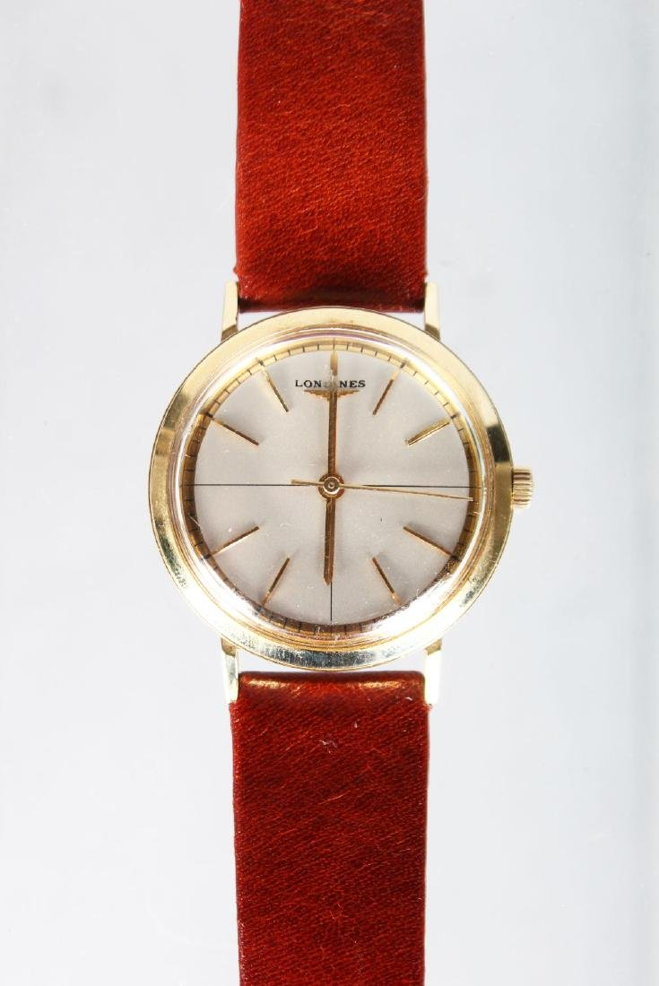 A GENTLEMAN'S 14CT GOLD LONGINES WRISTWATCH with