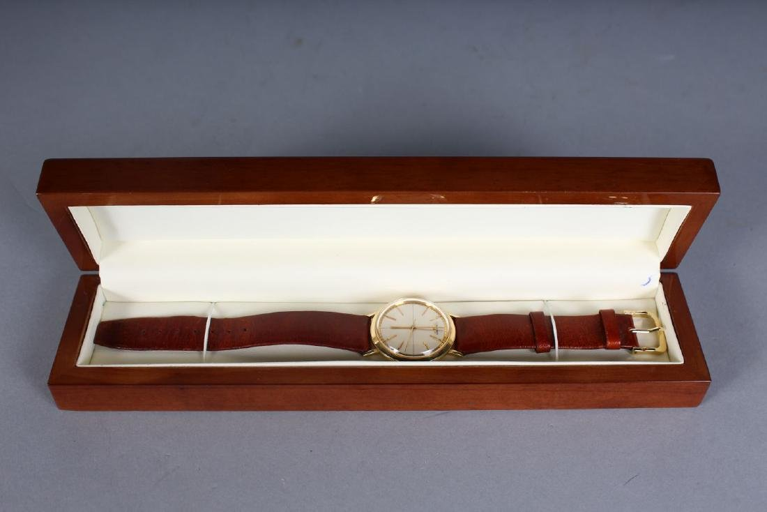 A GENTLEMAN'S 14CT GOLD LONGINES WRISTWATCH with - 2