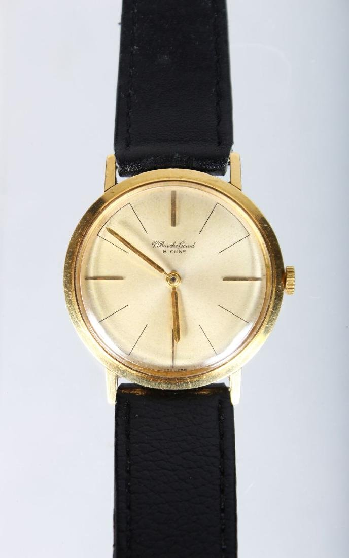 A GENTLEMAN'S 18CT GOLD BUECHE WRISTWATCH with leather