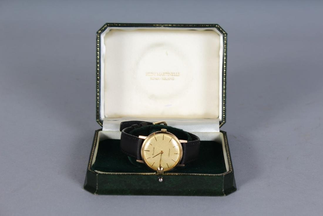 A GENTLEMAN'S GOLD BULOVA WRISTWATCH with leather - 3