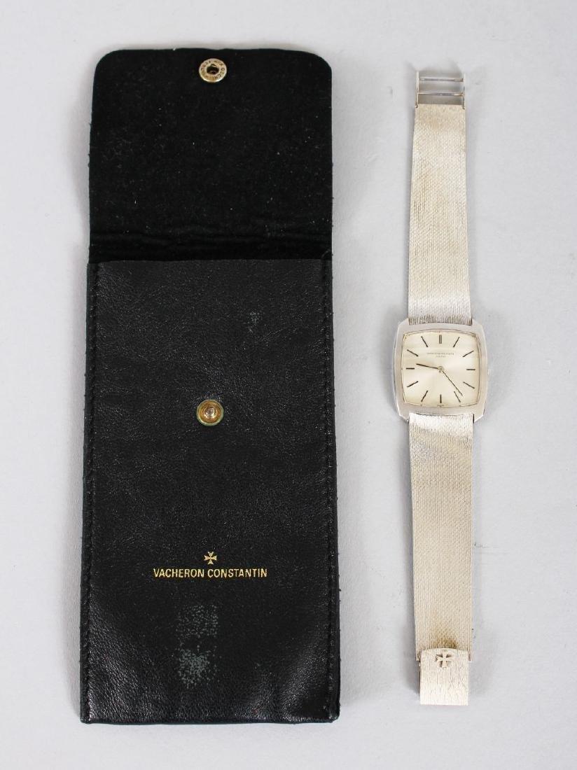 A GENTLEMAN'S 18CT WHITE GOLD VACHERON CONSTANTIN of