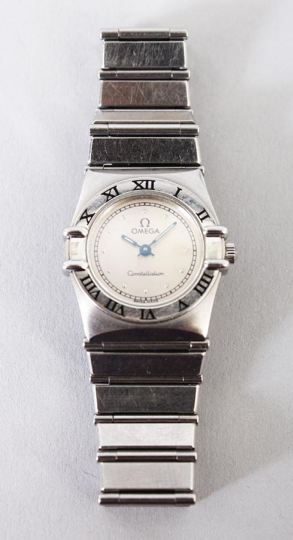 A LADIES' STEEL OMEGA CONSTANTIN WRISTWATCH in blue
